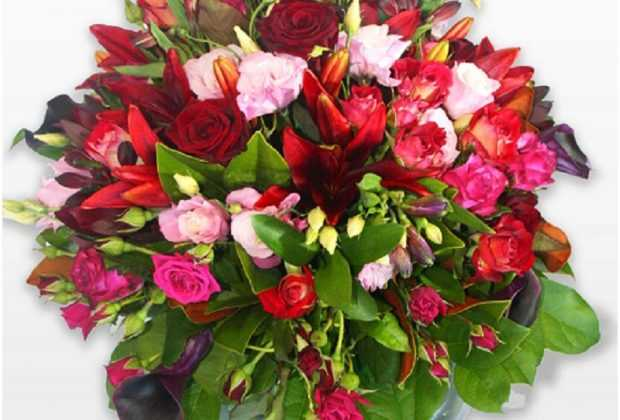 Choose The Best Flower Bouquet Online For Your Pa S Wedding Anniversary Face Tag